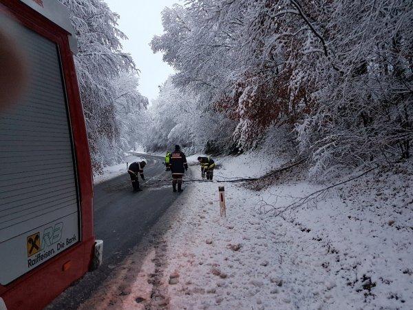 T01-Hilfeleist. vom 30.11.2017     © Feuerwehr Sebersdorf (2017)