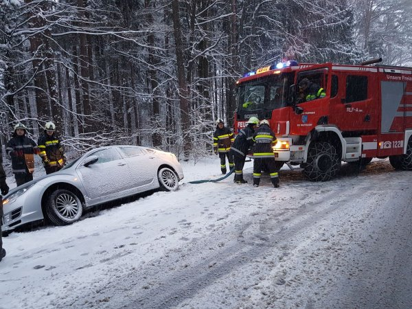 T03-VU-Berg.-Öl vom 20.02.2018  |  © Feuerwehr Sebersdorf (2018)