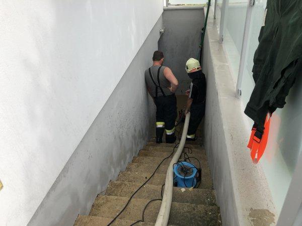 T04-Pumparbeiten vom 16.08.2020  |  © Feuerwehr Sebersdorf (2020)