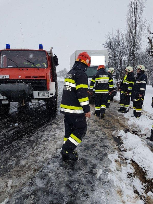 T03-VU-Berg.-Öl vom 12.02.2018  |  © Feuerwehr Sebersdorf (2018)