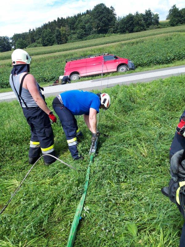 T03-VU-Berg.-Öl vom 15.08.2020  |  © Feuerwehr Sebersdorf (2020)