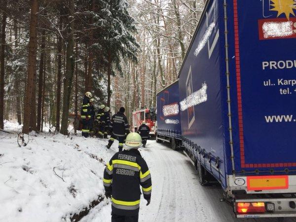 T03-VU-Berg.-Öl vom 20.03.2018  |  © Feuerwehr Sebersdorf (2018)